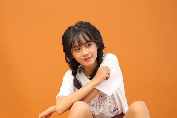 Vẻ ngoài nữ ca sĩ 17 tuổi bị đuổi khỏi nhóm nhạc đông nhất Việt Nam-2