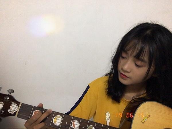 Vẻ ngoài nữ ca sĩ 17 tuổi bị đuổi khỏi nhóm nhạc đông nhất Việt Nam-5