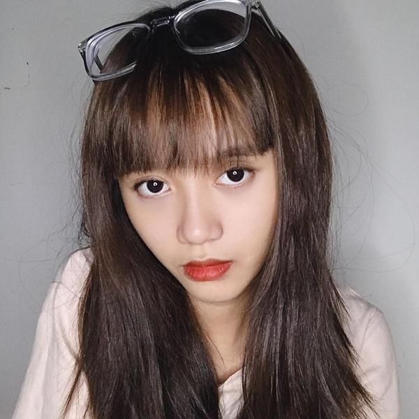 Vẻ ngoài nữ ca sĩ 17 tuổi bị đuổi khỏi nhóm nhạc đông nhất Việt Nam-7