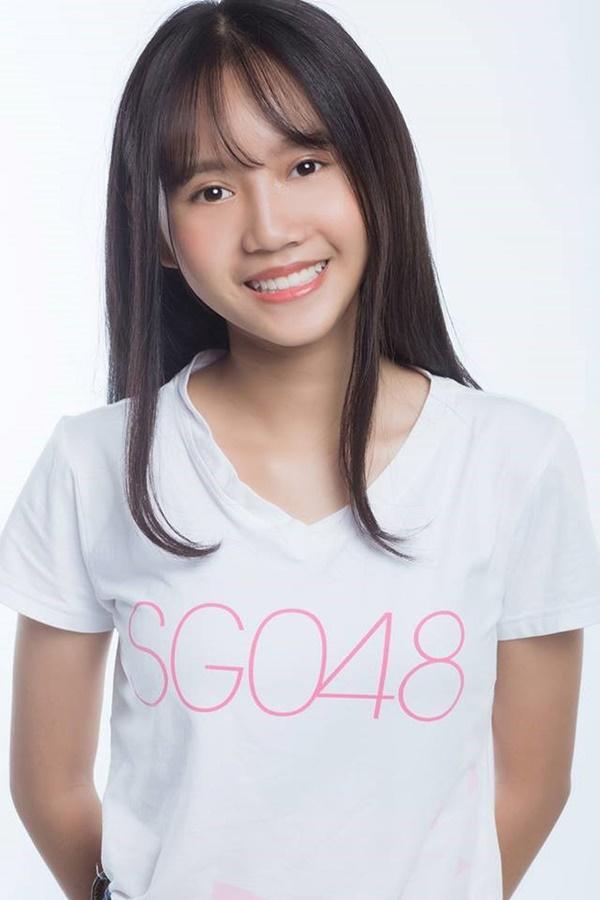 Vẻ ngoài nữ ca sĩ 17 tuổi bị đuổi khỏi nhóm nhạc đông nhất Việt Nam-9