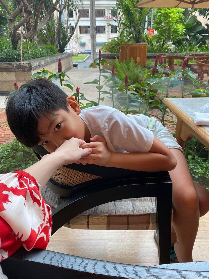 Hồ Ngọc Hà khoe cuộc sống sang chảnh trong những ngày vướng tin mang song thai-6