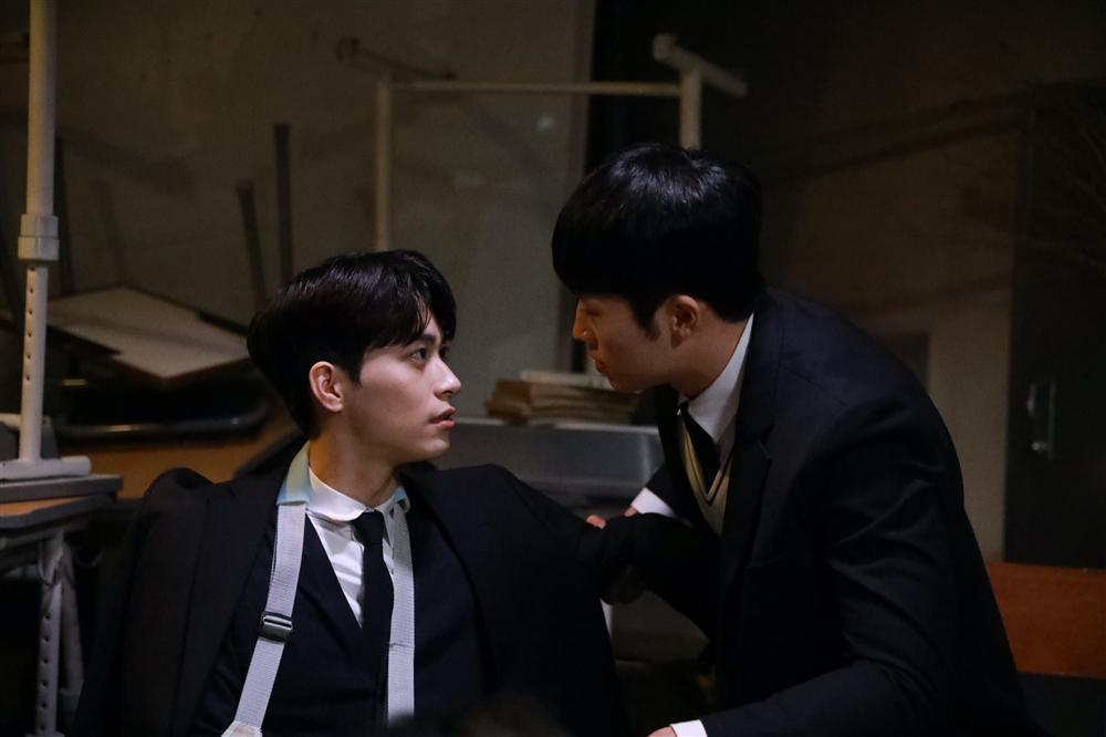 Phim đam mỹ Hàn Quốc đầu tiên tung loạt ảnh cực tình của 2 nam chính-3