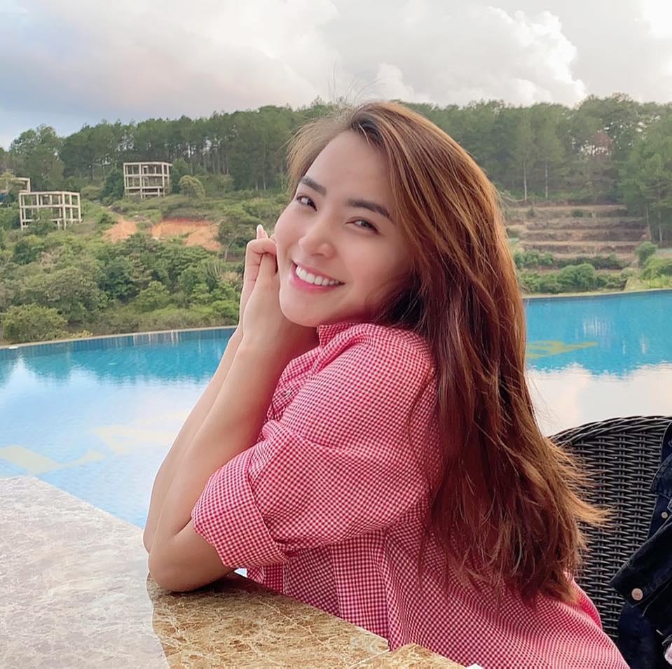 Dàn mỹ nhân Việt bán hàng online: Đừng shock khi nghe doanh thu 1 ngày bằng cả năm người khác-1