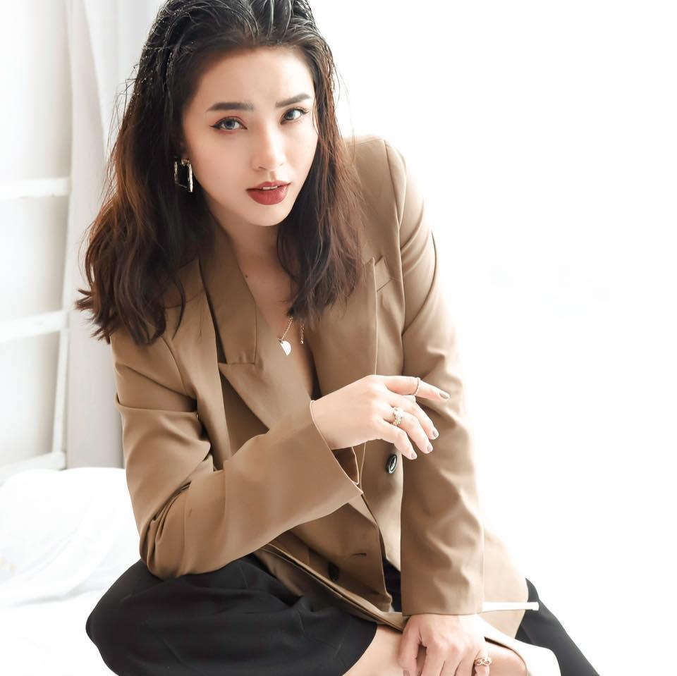 Dàn mỹ nhân Việt bán hàng online: Đừng shock khi nghe doanh thu 1 ngày bằng cả năm người khác-2