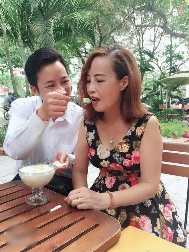 Chú rể Hoa Cương 28 tuổi nói gì về tin đồn đang gồng khi cưới cô dâu 63 tuổi ở Cao Bằng-3