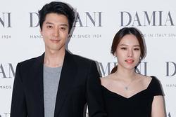 Chăm khoe gia đình hạnh phúc, Lee Dong Gun - Jo Yoon Hee đường đột xác nhận ly hôn