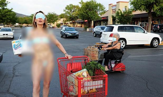 Lấy khẩu trang làm bikini, nữ nghệ sĩ Mỹ bị chỉ trích dữ dội-1