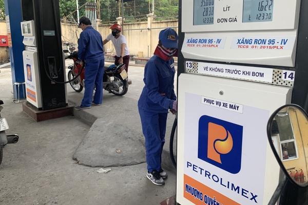 Điều chỉnh lần thứ 2 liên tiếp, 3h chiều nay, giá xăng dầu tăng ở mức cao-1
