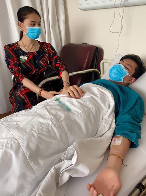 Chồng Lâm Khánh Chi cắt bướu mỡ-1
