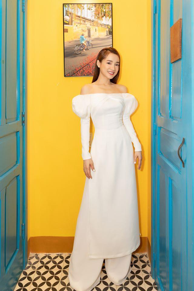 SAO MẶC ĐẸP: Kém cả chục cm, Lý Nhã Kỳ vẫn sang chảnh không hề lép vế Hoa hậu Khánh Vân-8