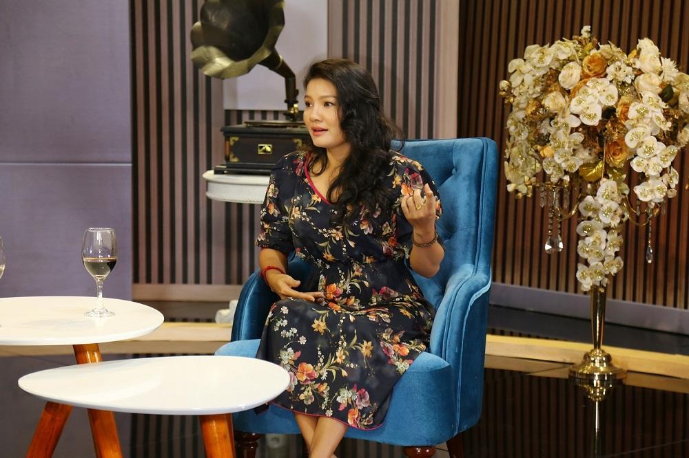 Con gái diễn viên Kiều Trinh từng bỏ học vì mẹ đóng cảnh nóng-2