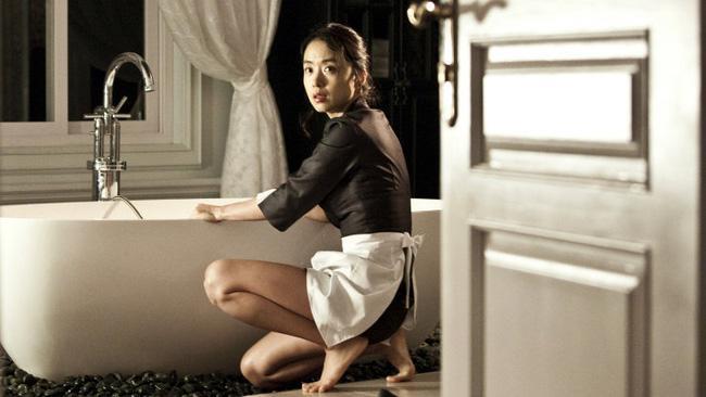 Ảnh hậu Cannes Jeon Do Yeon: Phía sau những cảnh nóng bạo liệt trên màn ảnh là cuộc hôn nhân viên mãn bên cạnh người đàn ông bình lặng và bao dung-3