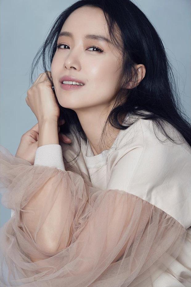 Ảnh hậu Cannes Jeon Do Yeon: Phía sau những cảnh nóng bạo liệt trên màn ảnh là cuộc hôn nhân viên mãn bên cạnh người đàn ông bình lặng và bao dung-6