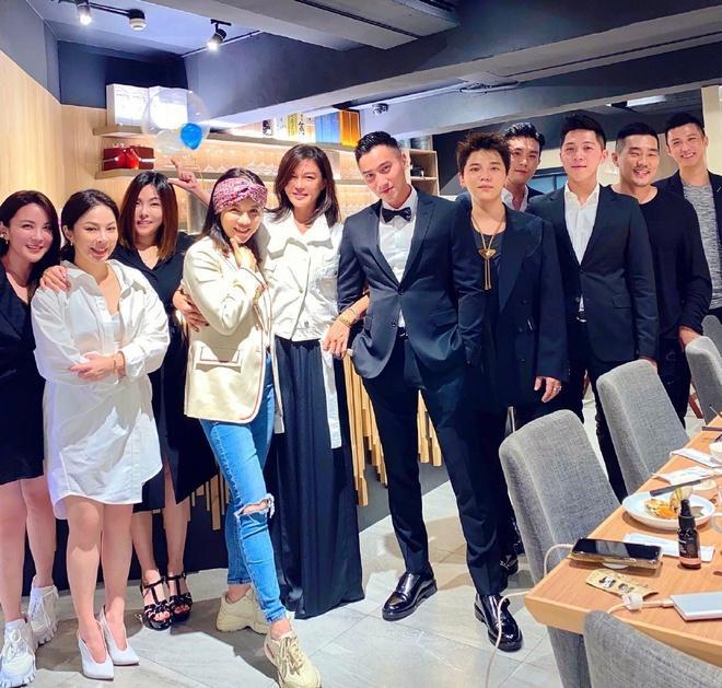 Chồng cũ Chung Hân Đồng mở tiệc mừng cuộc sống độc thân-1