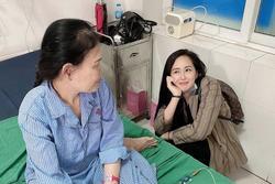 Mẹ nhập viện, Hoa hậu Mai Phương Thúy 'bỏ cả thế giới' về bên cạnh
