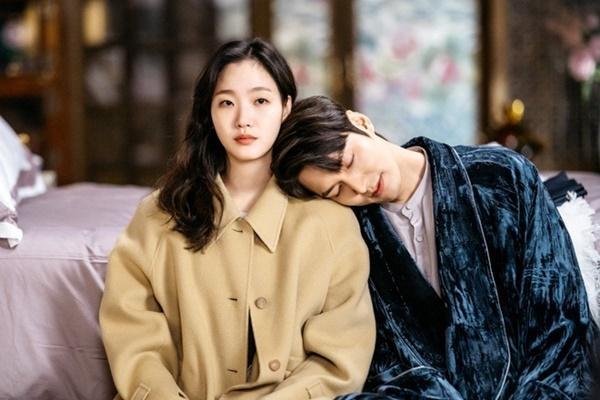 Park Bo Gum - Song Hye Kyo và những cặp đôi bị chê nhạt nhẽo khi yêu-1