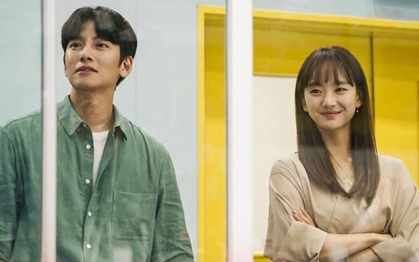 Park Bo Gum - Song Hye Kyo và những cặp đôi bị chê nhạt nhẽo khi yêu-7