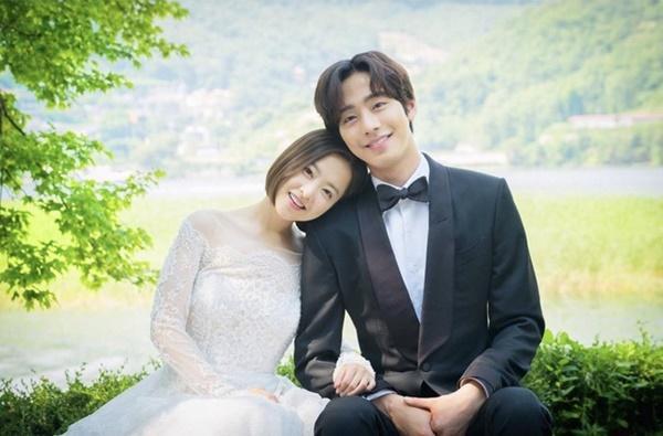 Park Bo Gum - Song Hye Kyo và những cặp đôi bị chê nhạt nhẽo khi yêu-9