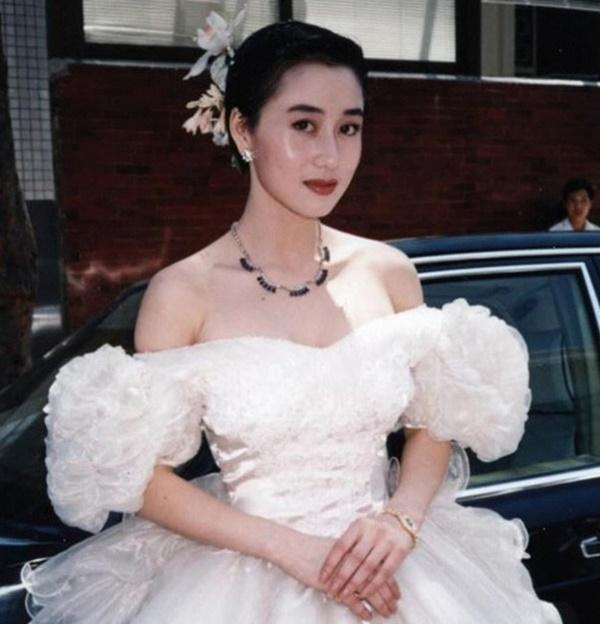 Mối tình đầy giai thoại của vợ Lý Liên Kiệt và trùm sòng bạc Macau-1