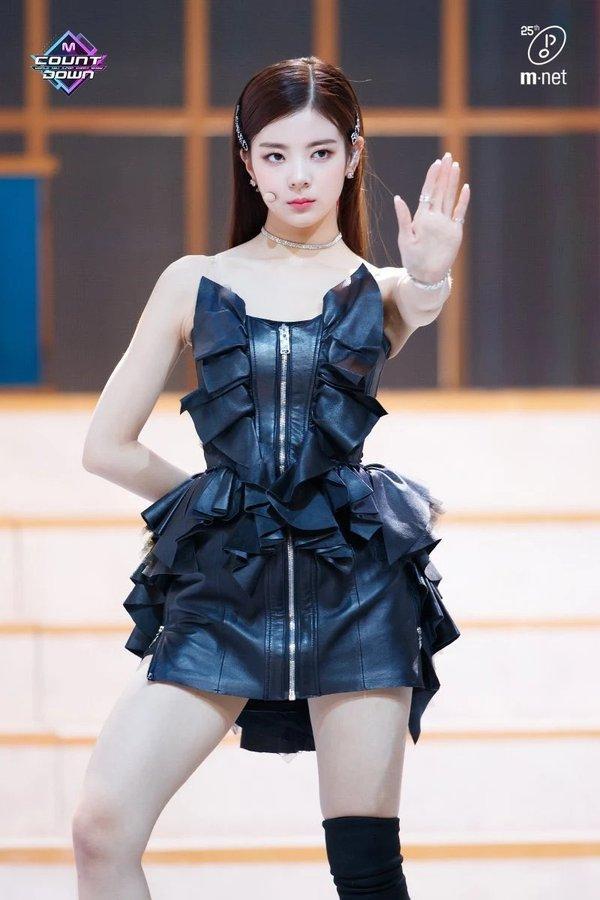 Những nữ thần tượng Kpop vừa là giọng ca chính lại còn sở hữu nhan sắc xinh như visual-8