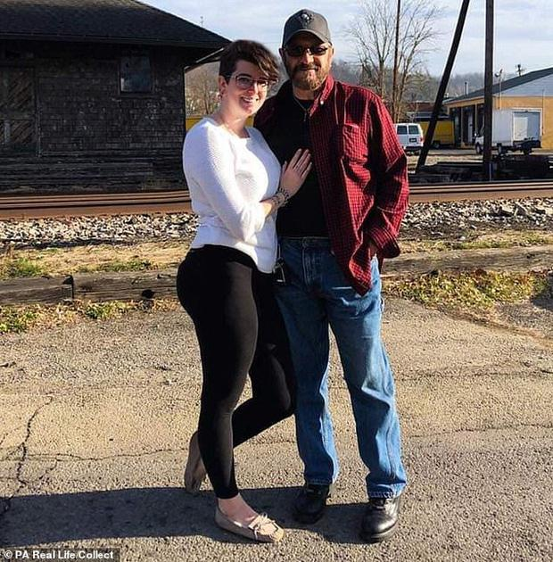 Sau 2 năm kiên trì chờ đợi, cô gái 27 tuổi cầu hôn bạn trai 72 tuổi: Happy ending cho chuyện tình ông - cháu-3