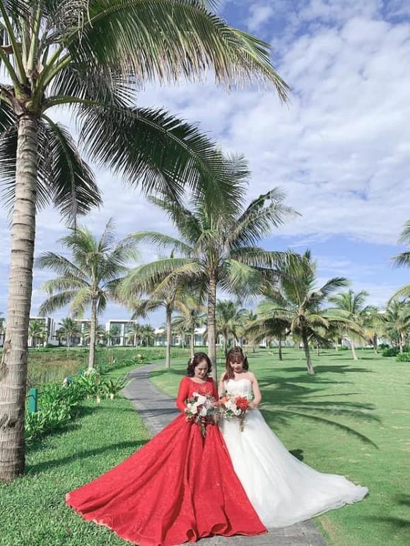 Cô dâu 63 chú rể 28 ở Cao Bằng rủ nhau chụp bộ ảnh cưới e ấp cùng cặp đôi vợ 65 chồng Tây 24-4