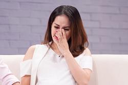 Hôn nhân đang hạnh phúc, Khánh Thi gây hoang mang khi liên tục treo status tâm trạng