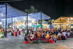 Đừng 'gà mờ' khi ghé chợ đêm Đà Nẵng: Nhiều món ăn vặt nhưng giá đắt hơn cả 'món chính', đi một vòng nhẹ nhẹ cũng hết 200k
