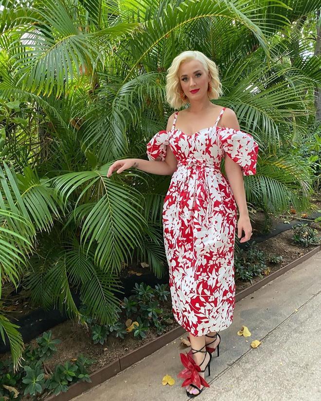 Katy Perry mặc váy bầu lộng lẫy có giá 4.400 USD-4