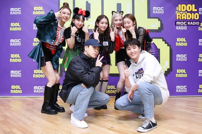 Hậu lùm xùm hỗn xược, nhóm nữ Kpop lấy nhạc BLACKPINK biểu diễn, thành viên tự khẳng định nhảy giỏi hơn Lisa lại bị ném đá-1