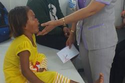 Diễn biến sức khỏe bé gái 6 tuổi bị cha đánh, giẫm đạp dã man
