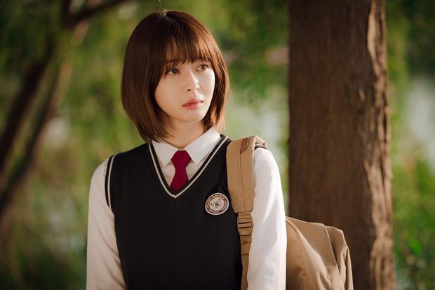 Hè nóng ná thở, muốn xén tóc cho nhẹ đầu chị em hãy tham khảo 3 kiểu tóc ngắn được sủng nhất trong phim Hàn-5