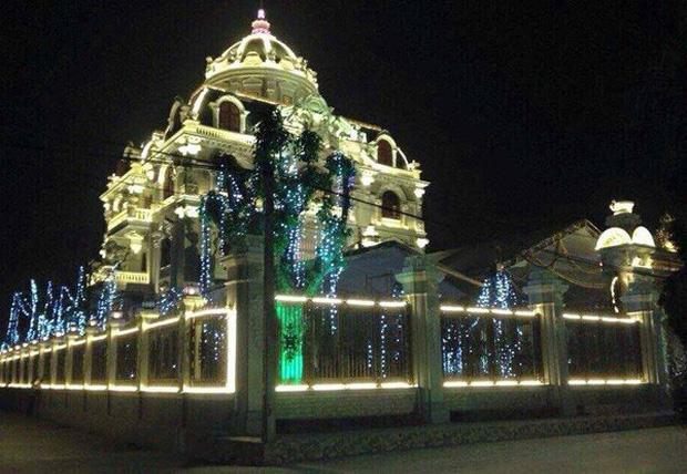 Lâu đài xây gần 10 năm của tỷ phú Nam Định, chỉ riêng gỗ lát sàn cũng có giá 120 tỷ đồng-6