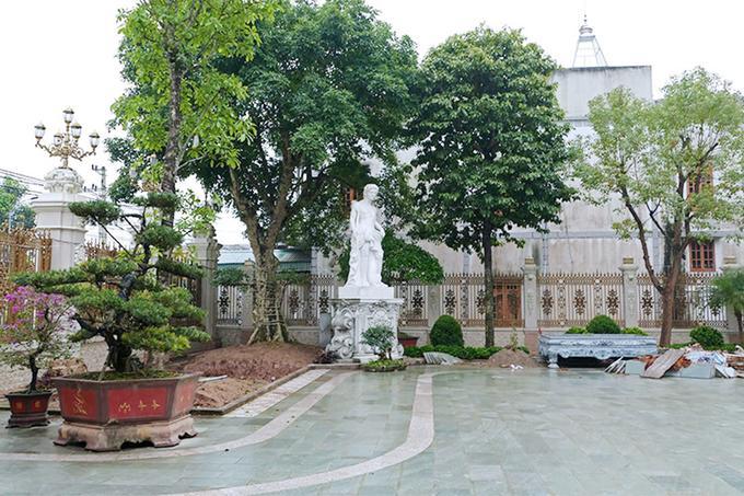 Lâu đài xây gần 10 năm của tỷ phú Nam Định, chỉ riêng gỗ lát sàn cũng có giá 120 tỷ đồng-8