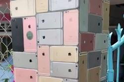 Dân chơi dùng hàng trăm chiếc iPhone để thay gạch ốp lát xây cổng khiến ai cũng trầm trồ