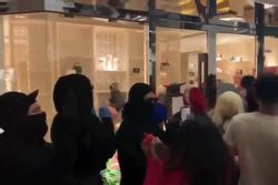 Cửa hàng của Louis Vuitton bị cướp túi xách đắt tiền