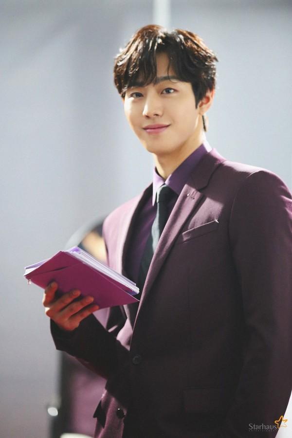 4 mỹ nam Hàn có khả năng hất văng Lee Min Ho trong tương lai-6