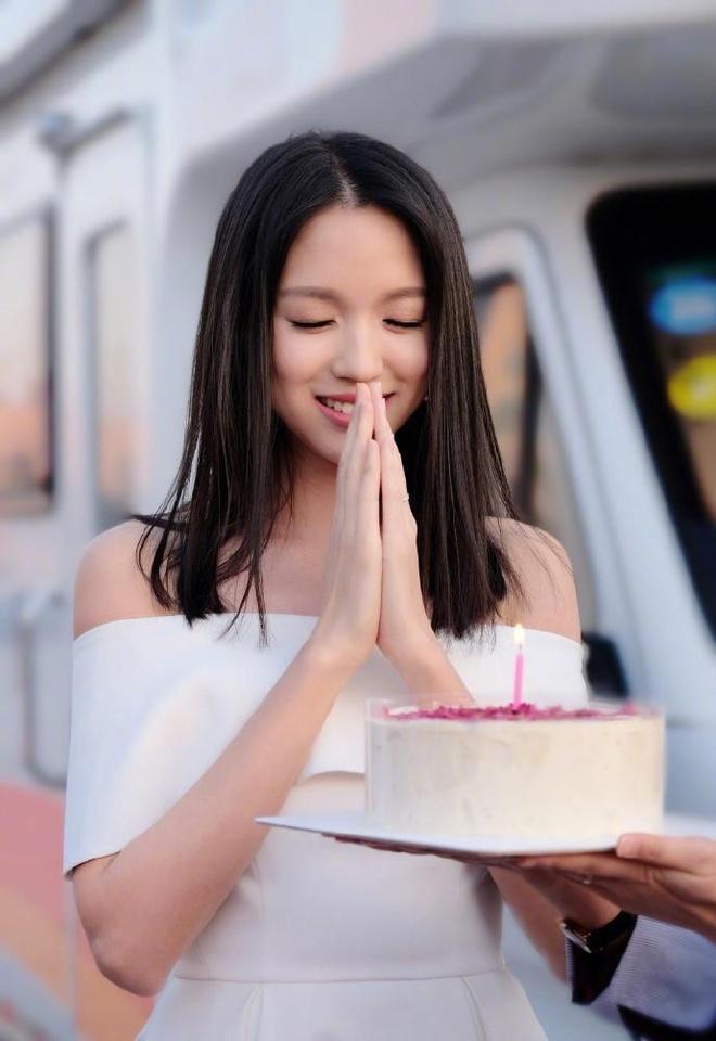 Nhan sắc hiện tại của hoa hậu đặc biệt nhất Trung Quốc-6