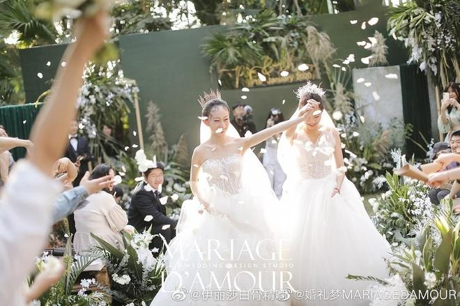 Lễ cưới đồng tính của nghệ sĩ múa hàng đầu Trung Quốc-1