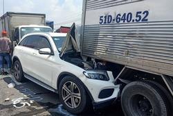 11 ô tô tông liên hoàn ở TP.HCM