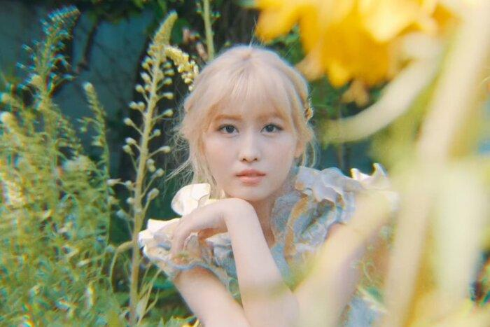 Twice chính thức comeback với More & More: Nhạc ổn, MV ảo diệu nhưng sai nhất lại chính là… Momo-6