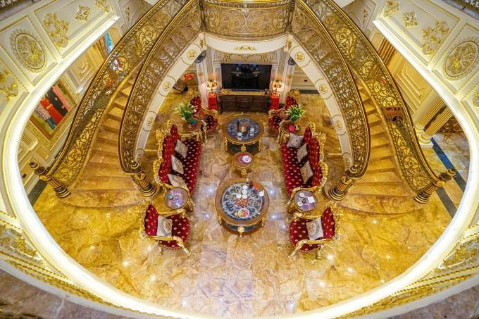 Choáng ngợp dinh thự dát vàng hơn 100 tỷ đồng, nổi danh ai cũng biết ở Thanh Hóa-4