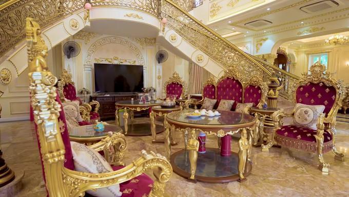 Choáng ngợp dinh thự dát vàng hơn 100 tỷ đồng, nổi danh ai cũng biết ở Thanh Hóa-7