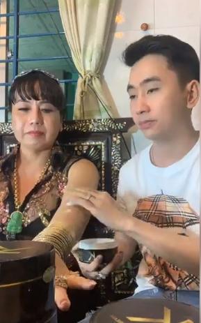 Biết tác hại của kem trộn, cô Minh Hiếu vẫn PR bất chấp khiến dân mạng nổi điên-2