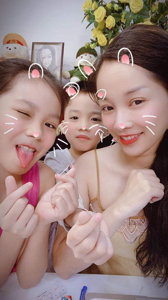 Khoe ảnh bên con gái 10 tuổi, cựu hotgirl Nhật Ký Vàng Anh làm người xem lú lẫn tưởng 2 chị em-4