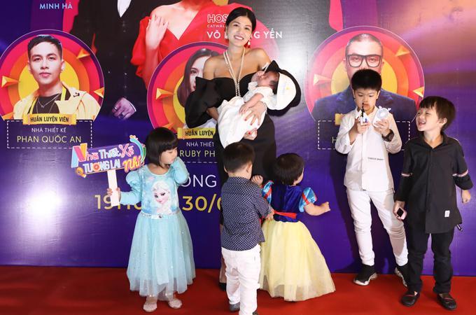 Hoa hậu 6 con Hồ Thị Oanh Yến: Bố 2 đứa con đầu của tôi đã qua đời-2