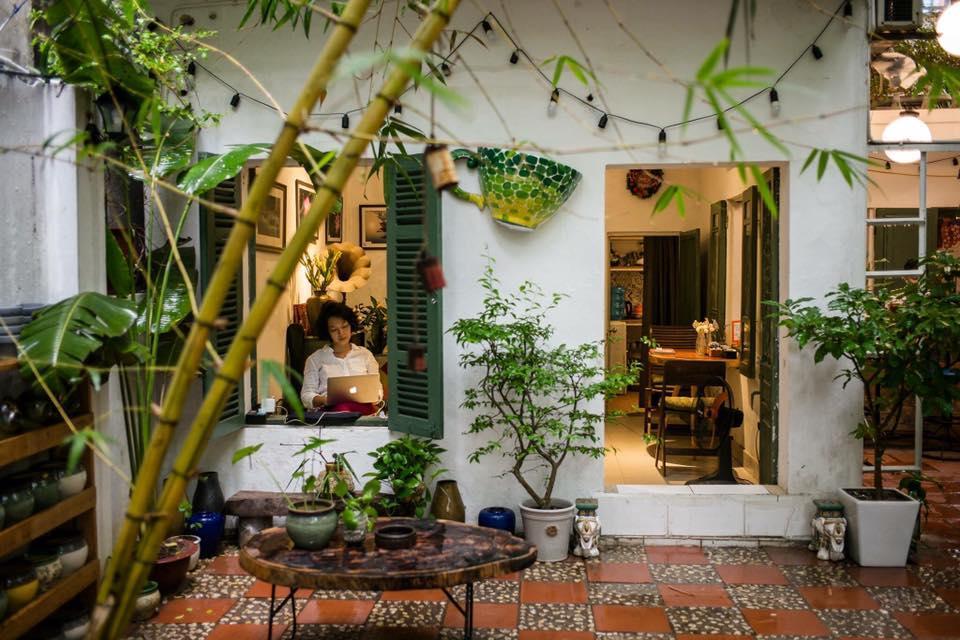 Những quán cà phê thời bao cấp tại Hà Nội vừa bước vào cửa đã thấy cả một bầu trời kí ức ùa về-9