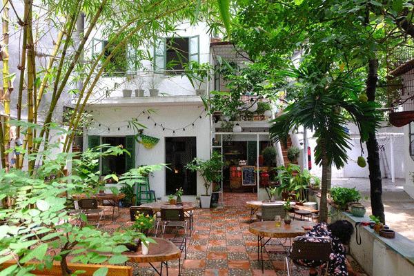 Những quán cà phê thời bao cấp tại Hà Nội vừa bước vào cửa đã thấy cả một bầu trời kí ức ùa về-10