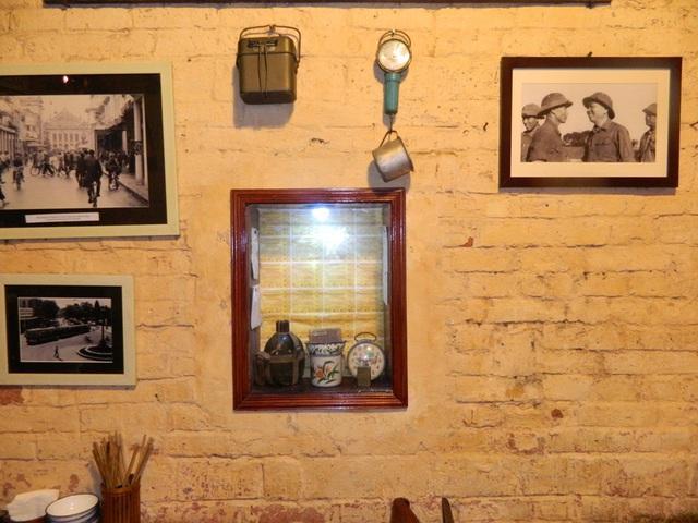 Những quán cà phê thời bao cấp tại Hà Nội vừa bước vào cửa đã thấy cả một bầu trời kí ức ùa về-15