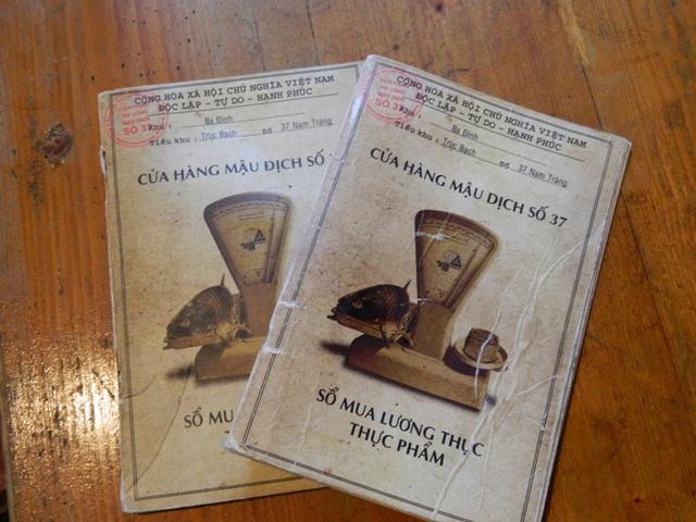 Những quán cà phê thời bao cấp tại Hà Nội vừa bước vào cửa đã thấy cả một bầu trời kí ức ùa về-16